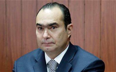 Pretelt anuncia demanda en contra de quien lo investigó