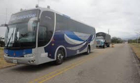 Atracaron a bus de Libertadores que iba para Bogotá. Sujetos armados se subieron y despojaron de pertenencias a 22 pasajeros.