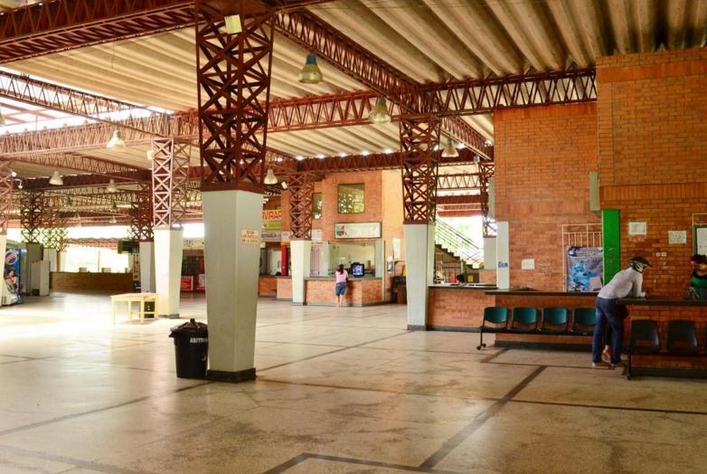 Problema de rebosamiento de alcantarillado viene afectando terminal de transporte de Arauca
