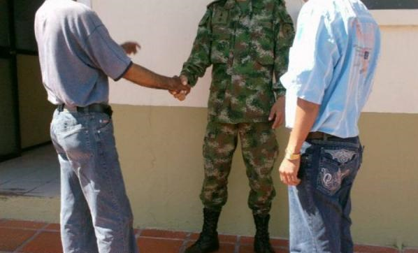 Dos integrantes de las Farc se desmovilizaron en Arauca y Puerto Jordán. Querían estar de nuevo con sus familias.