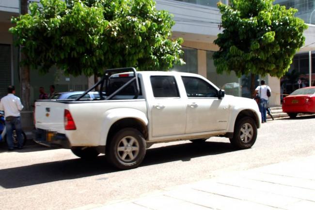 Elementos al margen de la ley hurtaron camioneta al servicio de una empresa petrolera en la vía que de Saravena comunica con Arauca