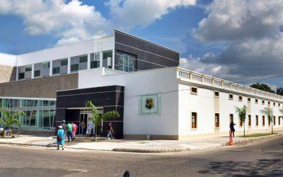 El Gobernador quiere sacar adelante el colegio Santander Primaria. Presionará por entrega de documento RETIE