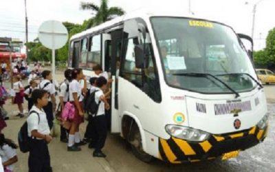 Por los Ministerios en busca de recursos se encuentra Secretario de Hacienda del Departamento. Transporte y alimentación escolar prioridades