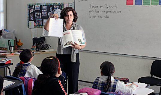 A docentes les pagarán el viernes retroactivo. Dinero corresponde al  aumento de su salario que fue del 4.5 por ciento.