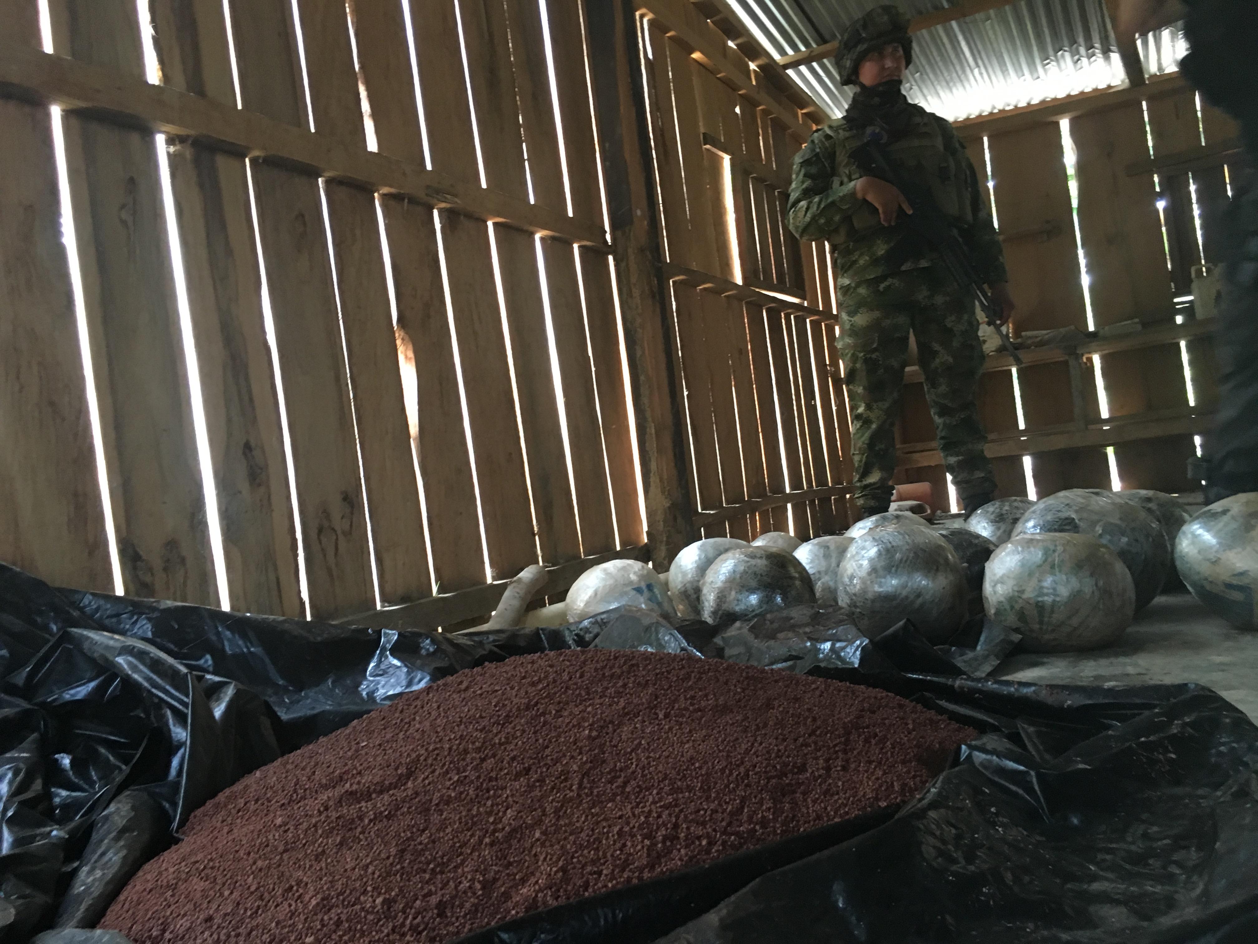 Poderosa carga explosiva fue desactivada por el Ejército en Saravena. Más de 14 balones bomba y 50 kilos de anfo estaban en una vivienda.