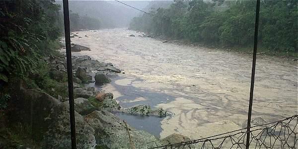 Atentado al oleoducto Caño Limón-Coveñas en Saravena