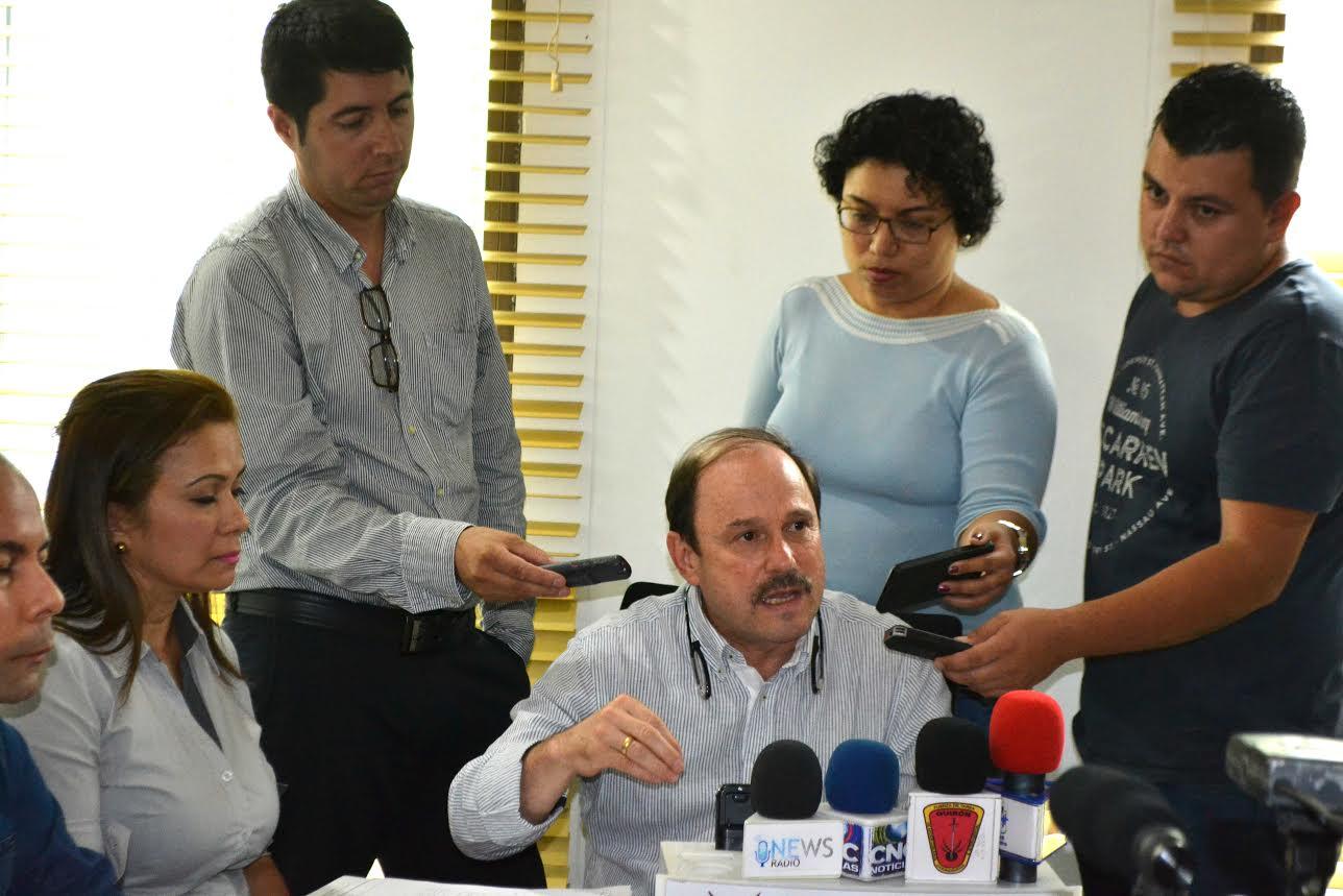 Gobernador designó a Jair Cedeño como director del hospital San Vicente. Jhoan Giraldo, anunció demanda. Dijo que no respeto fallo de Tribunal.