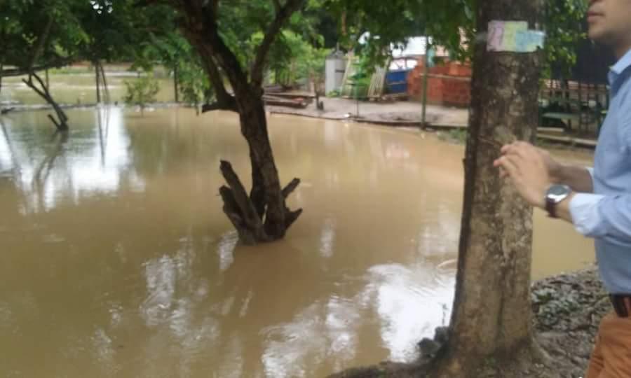 Vías en mal estado e inundaciones, en la vereda  Monserrate