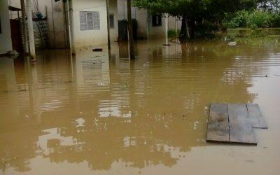 Inundados habitantes de la Isla de  Reinera