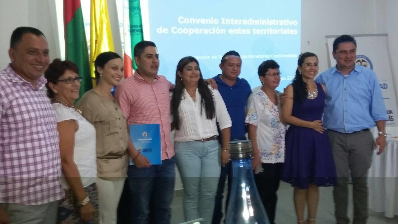 Alcaldes firmaron acuerdo de operatividad del programa Familias en Acción