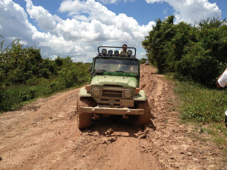 Fangueros objeto de fuertes críticas por daños en vías rurales