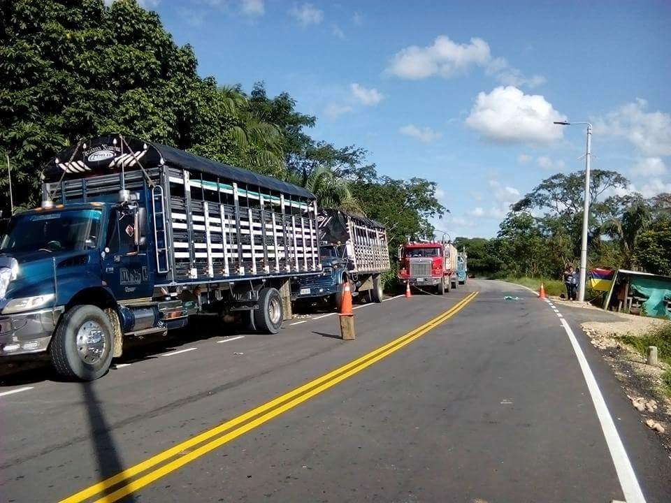 Paro camionero anuncia cierre de vías en Arauca
