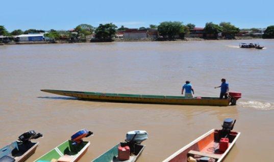 Canoeros de Arauca protestan por incumplimiento del gobierno