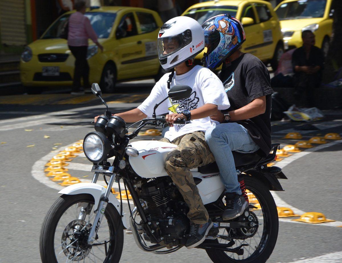 Le piden a la Alcaldía implementar pico y placa para motos y restricción de parrillero hombre