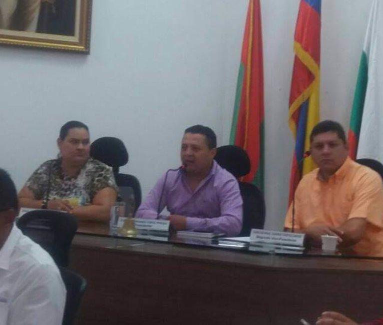 Molesta directora de FONVIDA con el Concejo porque hundió proyecto de acuerdo