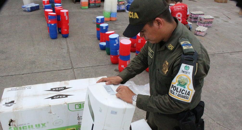 Más de 2.000 millones de pesos incautados en mercancía de contrabando durante el año 2017, informó la DIAN