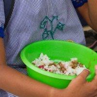 De baja calidad alimentos que entregan contratistas a alumnos en la zona  rural. Unidad de Salud encendió las alarmas.