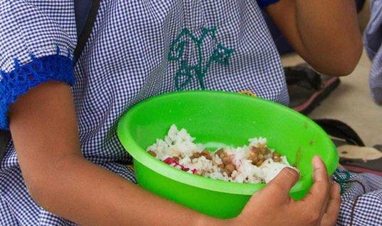 Contratista a cargo del programa de alimentación escolar modifico minuta en el colegio Betoy