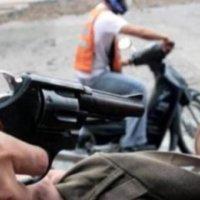 En motocicleta están atracando en Saravena
