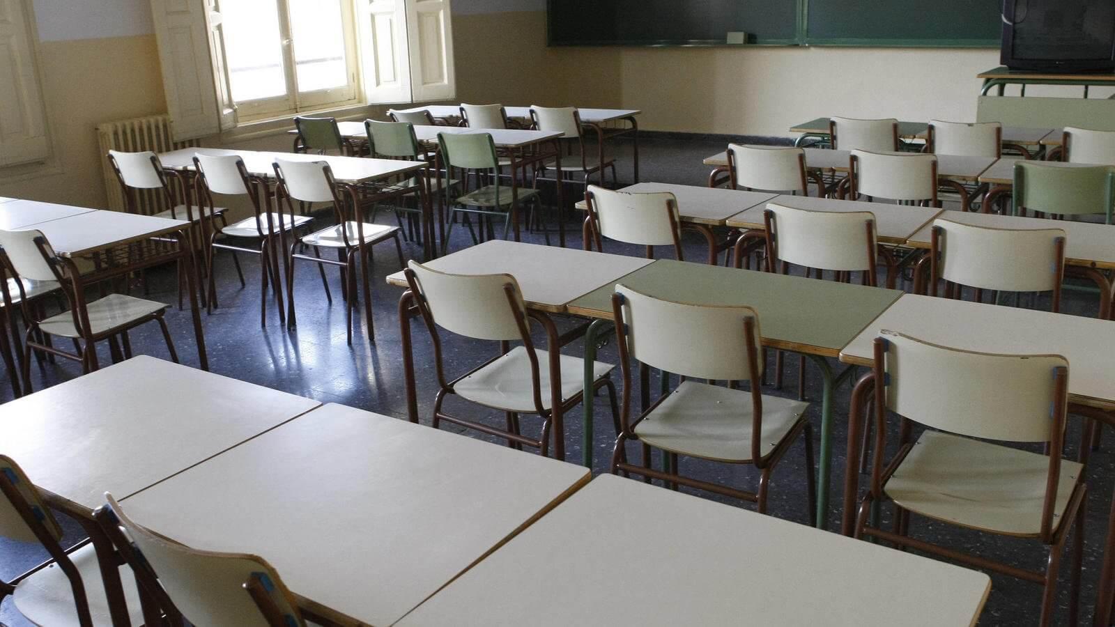Para solucionar problema por falta de docentes, rectora le pidió a los padres retirar sus hijos del colegio