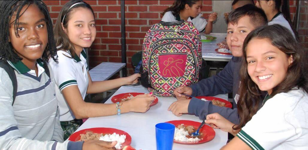 El PAE capacita a firma contratista Alimentación Escolar