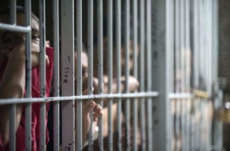 Juez falló a favor de 41 detenidos en Tame. Exigen traslado a la cárcel de Arauca. Sufren por hacinamiento y falta de alimentos en la estación.