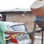 """""""Ventas en las estaciones de servicio se redujeron en un 50%, el contrabando de combustibles nos tiene quebrados"""" Afirmo comerciante"""