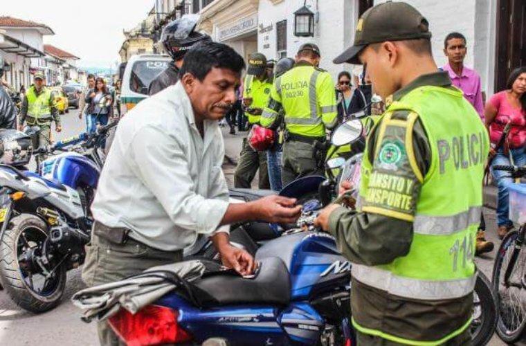 Avanza campaña de tránsito para lograr que los conductores manejen cumpliendo con normatividad.