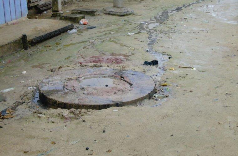 Colapsó sistema de alcantarillado de la comuna tres. Edil del sector denunció hurto de rejillas.