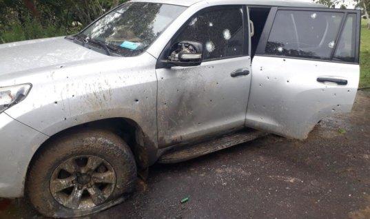 Estoy vivo de milagro, dijo José Santos Ruíz. Sus dos escoltas y el carro blindado lo salvaron.