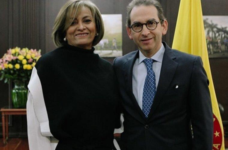 El chiste del día: Directora del ICA sobre las acusaciones de Venezuela hacia Colombia por aftosa.
