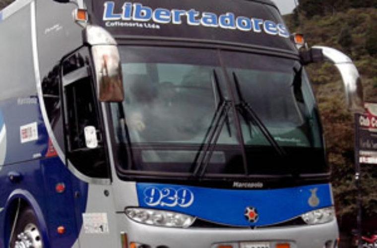 Indígenas atracaron a bus de Libertadores en Betoyes. A pasajeros se les  llevaron dinero en efectivo y pertenencias.