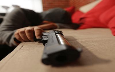 Ladrón que tenía listos elementos para ser hurtados se quedó dormido. Lo encontró en la bodega docente del colegio general Santander Bachillerato.