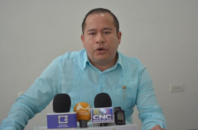 Raúl García Loyo espera volver a la Dirección del Hospital. Intenta poner  de acuerdo a involucrados para pagar multa fiscal.