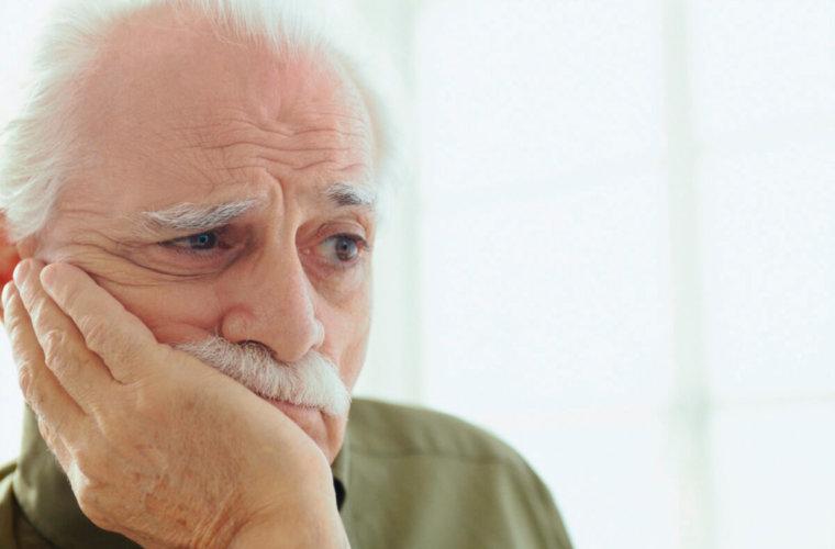 Insólito. Abuelo llevó a su nieto por urgencias del hospital y terminaron atendiéndolo a él del corazón. Dijo que allá hay aprendices.