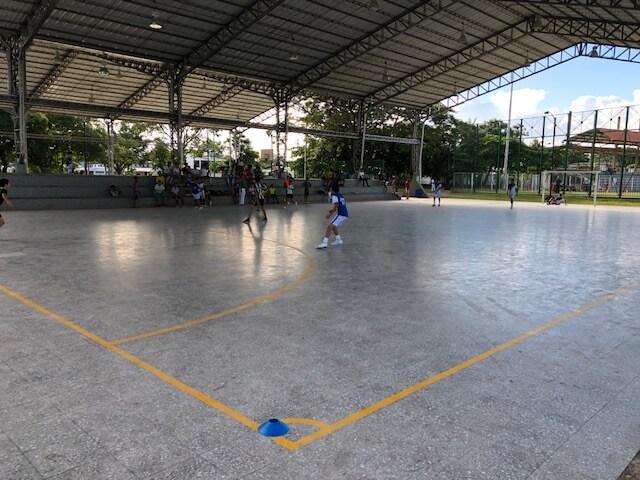 Deportistas cuestionan uso del escenario deportivo de las Corocoras. Es para baloncesto y le metieron patinaje.