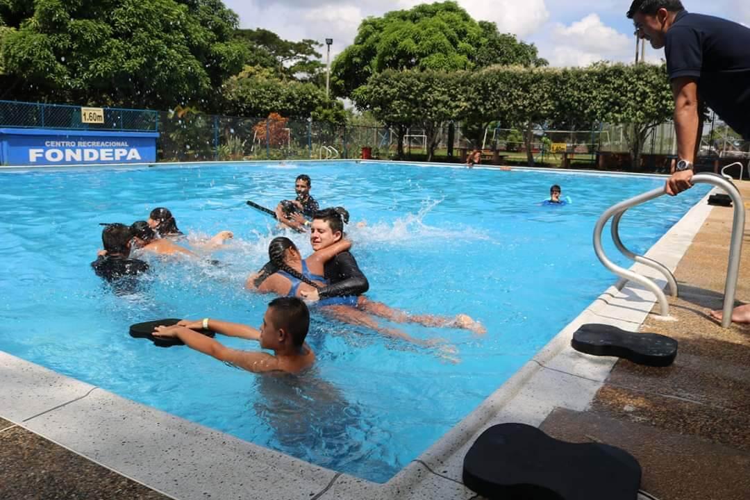 Terminaron trabajos de arreglo en la piscina FONDEPA y cancha de tenis  en la Villa Olímpica. La comunidad podrá usar escenarios.