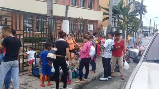 Militares venezolanos que desertaron protestaron pacíficamente frente a la  Gobernación. Denunciaron que Duque les incumplió con ayudas.