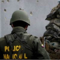 Detonaron carga explosiva en Fortul. Hubo seis heridos, entre ellas una menor de edad, el comandante de Policía y un capitán del Ejército.