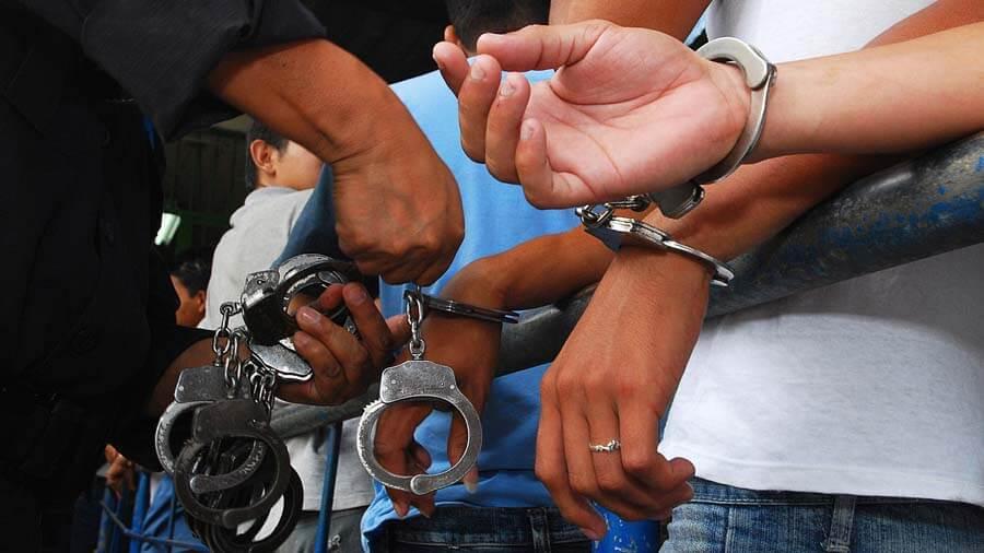 Tres venezolanos fueron capturados en la terminal de transportes de Arauca por la Policía sindicados de proxenetismo.