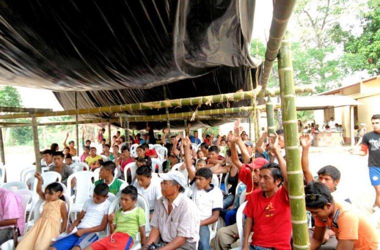 En Bocas del Ele y Selvas del Lipa los indígenas están en riesgo. Grupos armados amenazan con sacarlos de su territorio.