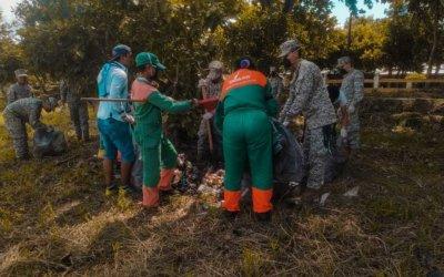 EMAAR atiende llamado de Líder social para convocar limpieza de la ribera del río Arauca. Instituciones públicas y privadas se sumaron a esta actividad ambiental.