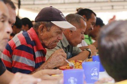 Adultos mayores no paran sus críticas al Gobierno municipal por demora en reanudar programa de alimentación. Piden que el operador sea Mael.
