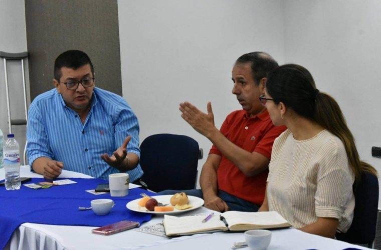 Prueba del COVID-19 al alcalde de Arauca dio resultado negativo. No se contagió a pesar de haber estado cerca del mandatario de Popayán.