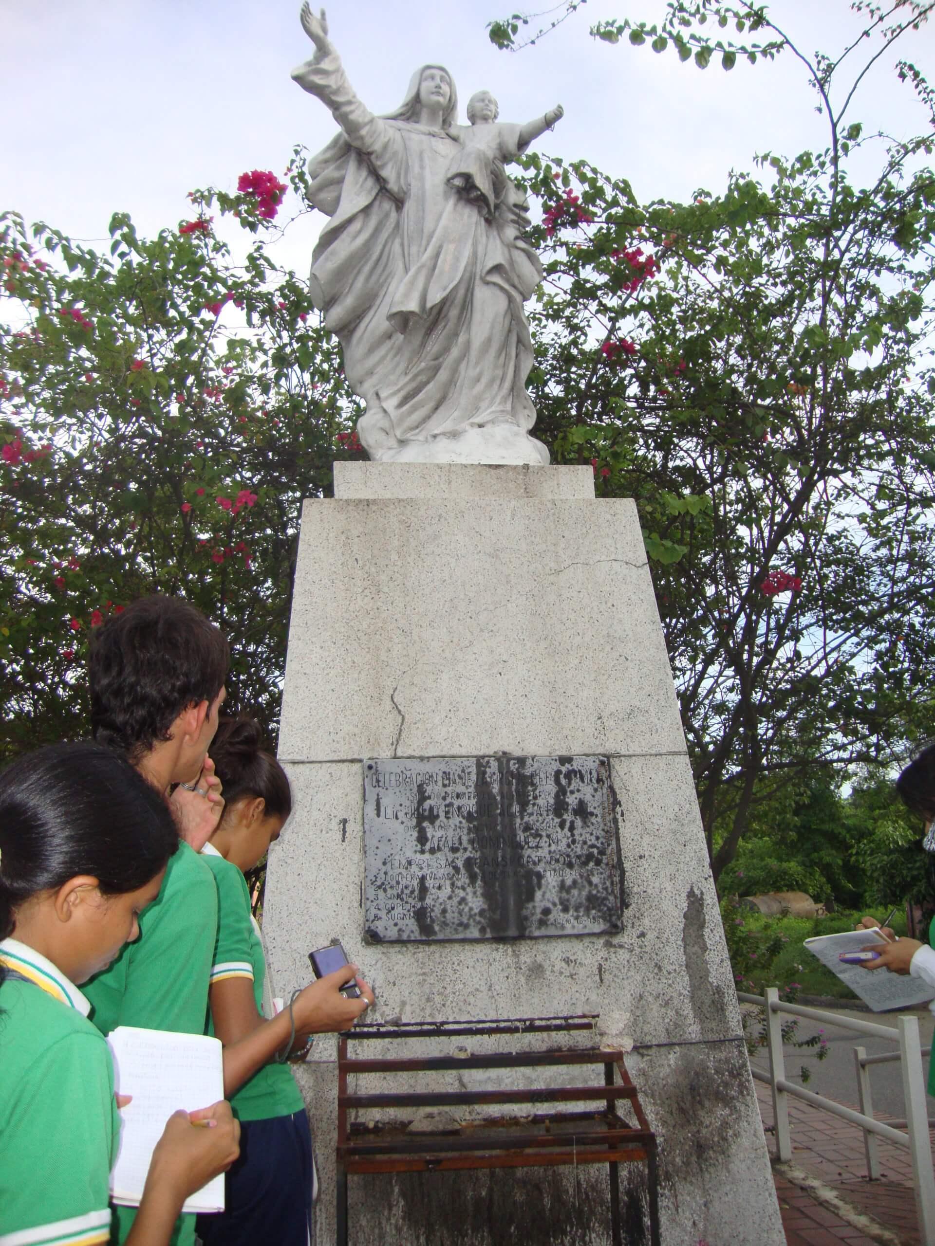 Alcalde Tovar se reunió con obispo de la Diócesis de Arauca. Se realizarán jornadas de embellecimiento a monumentos religiosos.