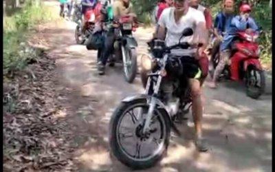 Comunidad de Monserrate cerró la vía de acceso para evitar el Covid-19 ante llegada masiva de venezolanos e irresponsables que no acatan las medidas.