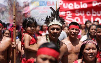 INDÍGENAS VENEZOLANOS PIDEN AYUDA DEL GOBIERNO COLOMBIANO
