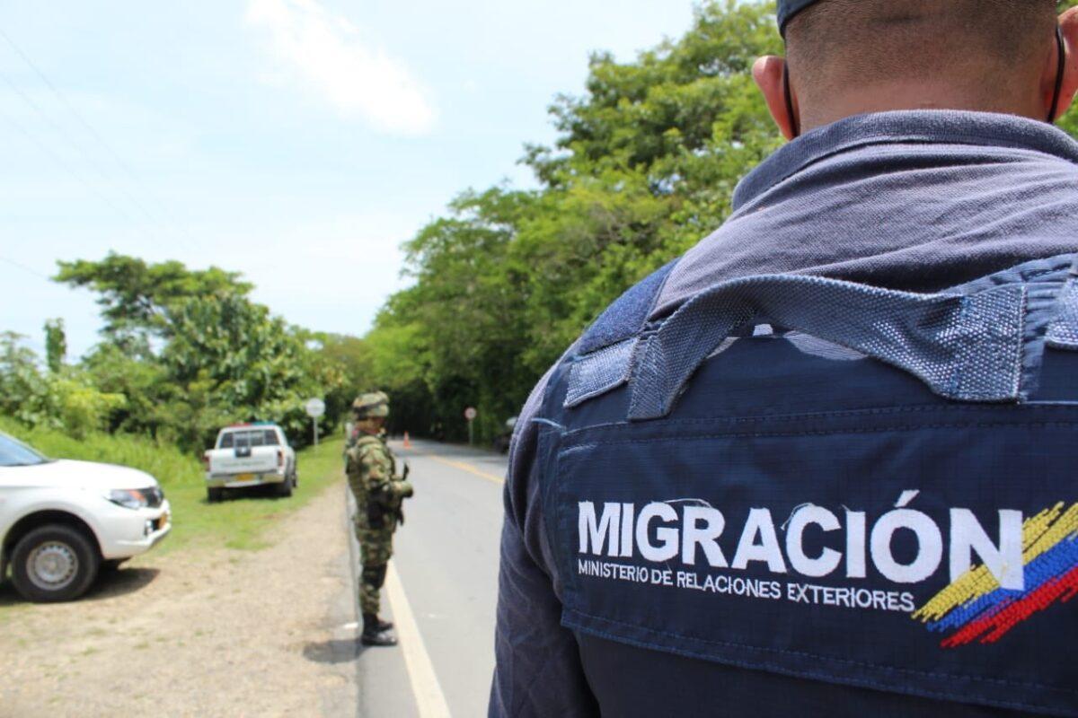 Extranjeros que violen el aislamiento serían expulsados del país