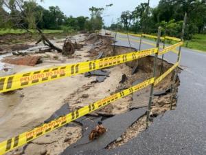 Una vez se conoció la situación de emergencia vial ocasionada por la ola invernal, se inicio la solicitud ante el Instituto Nacional de Vías.